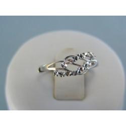 Strieborný dámsky prsteň vzorovaný VPS49141