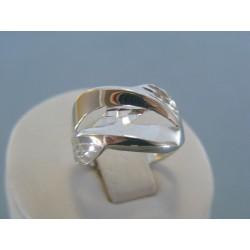 Strieborný dámsky prsteň vzorovaný DPS56217 925/1000 2.17g