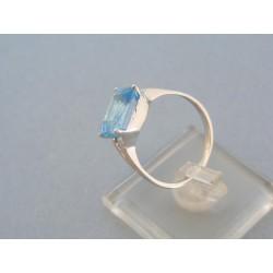 Zlatý dámsky prsteň biele zlato farebný zirkón DP57387B