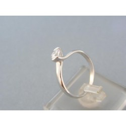 Jemný dámsky prsteň biele zlato zdobený kamienkom