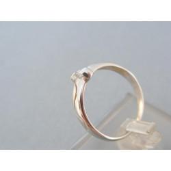 Dámsky prsteň biele zlato zirkón zdobený vlnovkou