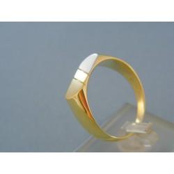 Zlatý pánsky prsteň jednoduchý dvojfarebné zlato DP67697V