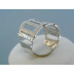 Strieborný prsteň široký vzorovaný VPS54411