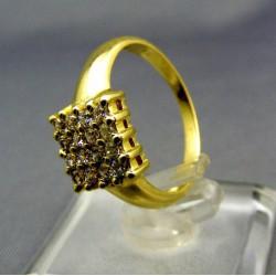 Zlatý dámsky prsteň s kamienkami žlté zlato VP53395Z