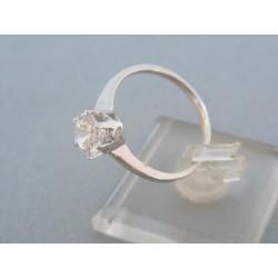 Strieborný prsteň so zirkónom v korunke DPS59237