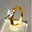 Zlatý dámsky prsteň s kamienkom v korunke žlté zlato VP53265Z