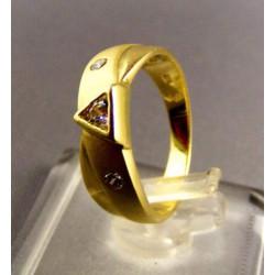 Zlatý dámsky prsteň v žltom zlate s kamienkami VP52347Z