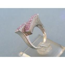 Strieborný prsteň dámsky zirkóny VPS53673