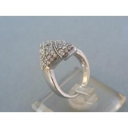 Strieborný dámsky prsteň zirkóny VPS52656