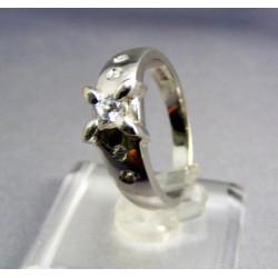 Zlatý prsteň biele zlato s lupienkami VP56471B