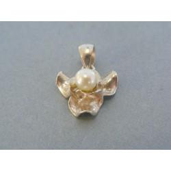 Strieborný prívesok s perlou zaujímavy DIS246