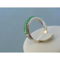 Strieborný dámsky prsteň zelené krištáliky DPS54246