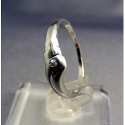 Zlatý prsteň jemný dámsky biele zlato VP57137B