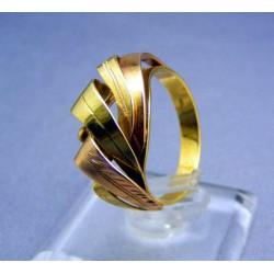 Zlatý dámsky prsteň v tvare listov viacfarebné zlato VP56408V