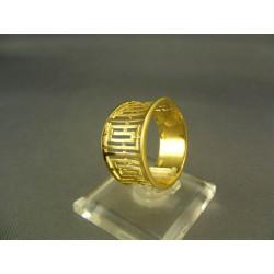 Zlatý dámsky prsteň so vzormi žlté zlato DP57393Z