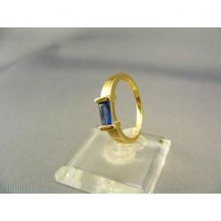 Zlatý dámsky prsteň so syntetickým akvamarinom žlté zlato VP51265Z