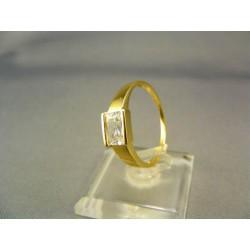 Zlatý dámsky prsteň s kamienkom žlté zlato VP60300Z