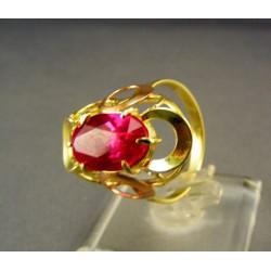 Zlatý prsteň so syntetickým rubínom DP58474