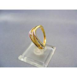 Zlatý dámsky prsteň vyrezávany viacfarebné zlato VP55355V