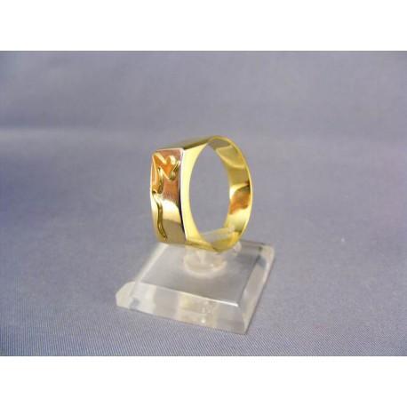 Zlatý pánsky prsteň so zlatým vzorom