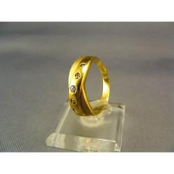 Zlatý prsteň s bielymi zirkónmi žlté zlato VP60531Z