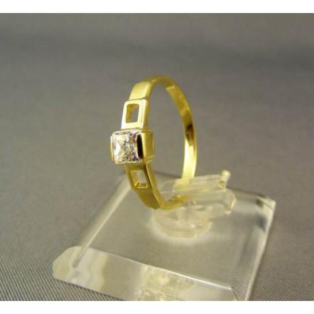Zlatý dámsky prsteň so zirkónom