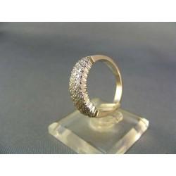 Zlatý prsteň biele zlato ozdobený množstvom kamienkov VP56527B