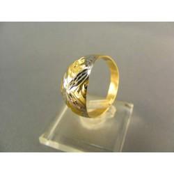 Zlatý dámsky prsteň gravirovany DP57208V