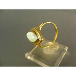 .Zlatý prsteň ozdobený opalom žlté zlato DP59334Z