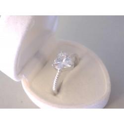 Žiarivý dámsky strieborný prsteň Srdiečko v korunke zirkóny VPS60275 925/1000 2,75 g