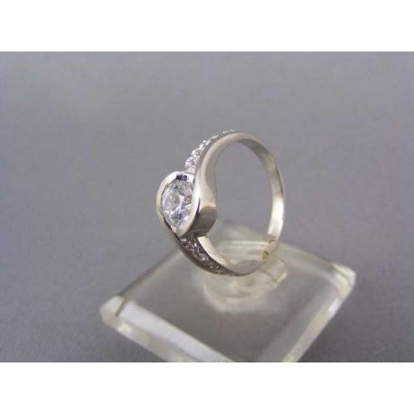 Prsteň v bielom zlate s kamienkami