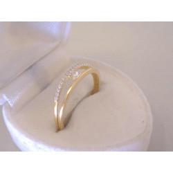 Jednoduchý dámsky zlatý prsteň žlté zlato zirkóny VP57137Z 14 karátov 585/1000 1,37 g
