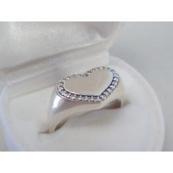 Strieborný dámsky prsteň v tvare srdiečka so zirkónmi DPS54312 925/1000 3,12g