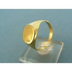 Jednoduchý pánsky zlatý prsteň žlté zlato s rytinou