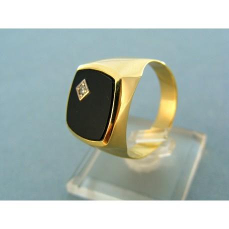 Pánsky zlatý prsteň onyx so zirkónom hranatý tvar