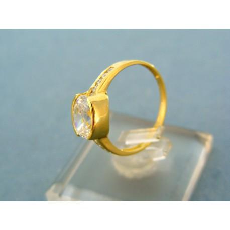 Klasický prsteň s veľkým zirkónom v žltom zlate