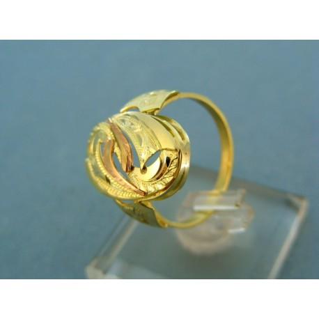 Prsteň kombinácia  žlté a červené zlato vzorované