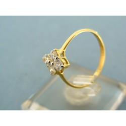 Zlatý prsteň jemný  žlté zlato kamienky v tvare kvietka VP54157Z