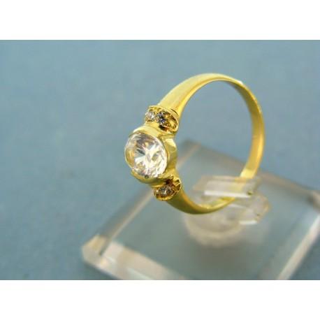 Jemný prstienok s kamienkom žlté zlato