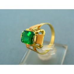 Zlatý prsteň s veľkým zeleným kameňom VP58382V