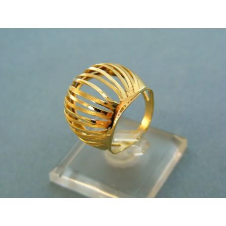 Veľký prsteň netradičného tvaru žlté zlato