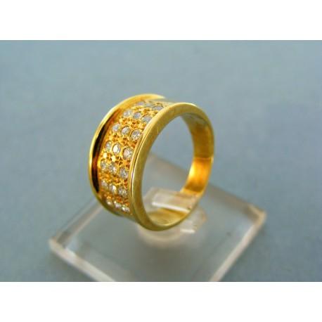 Mohutný zlatý prsteň s kamienkami v žltom zlate