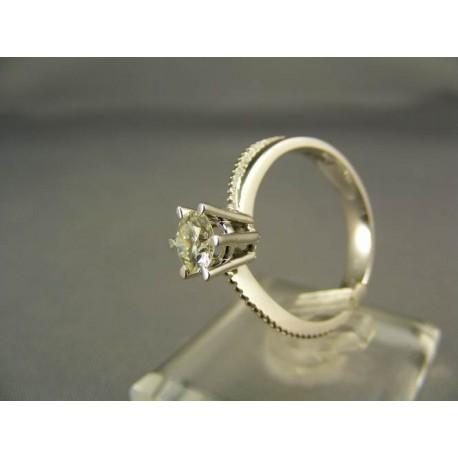 Diamantový prsteň v 18 karátovom bielom zlate