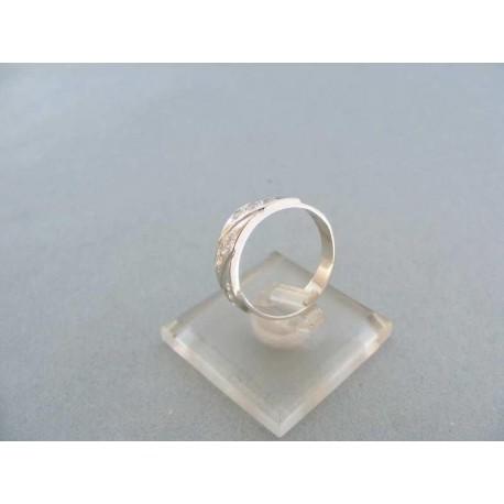 Dámsky prsteň biele zlato kamienky zirkónu zárezy