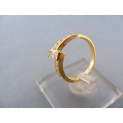 Zlatý prsteň s kamienkami zirkónu žlté zlato DP50242Z