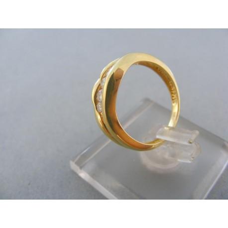 Dámsky prsteň žlté zlato kamienky zirkónu zaoblený
