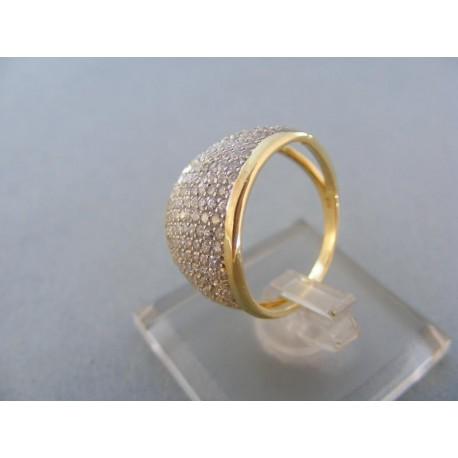 Elegantný dámsky prsteň mohutný v žltom zlate množstvo kamienkov