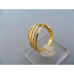 Pekný dámsky prsteň žlté zlato vyrezávany