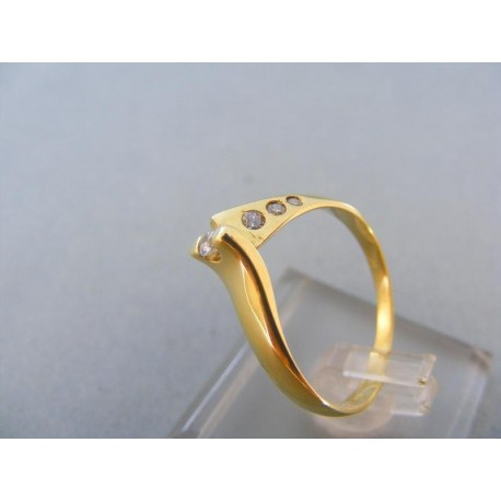 Jemný dámsky prsteň žlté zlato malé kamienky