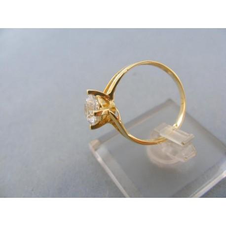 Dámsky prsteň žlté zlato zirkón v korunke prsteňa